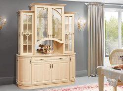Буфет является многофункциональным предметом мебели, который рекомендуется размещать в любой гостиной