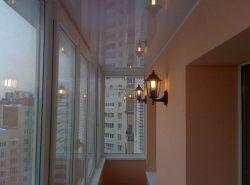 Потолок на балконе требует к себе особенного внимания