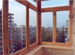 Застеклить балкон своими руками достаточно непросто, однако возможно