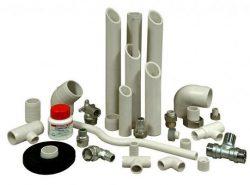 Надежно соединить ПВХ трубы можно, используя специальный клей