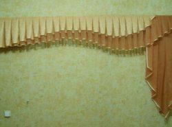 Если вы обладаете навыками шитья, то сделать ламбрекен для вас не составит труда