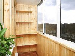 Особое внимание при обустройстве балкона следует уделять не только предварительному ремонту, но и внутренней отделке