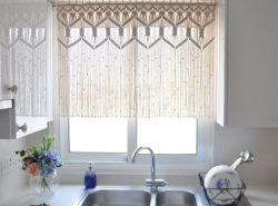 Одним из важнейших элементов оформления кухни являются шторы