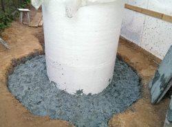 Чтобы сделать глиняный замок для колодца, не нужно иметь особых навыков, однако предварительно следует изучить теорию