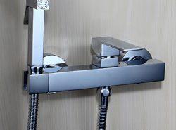 Смеситель с гигиеническим душем — удобное и несложное в монтаже устройство