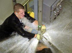 Гидроудар — это кратковременный, резкий и существенный скачок давления в системе, заполненной жидкостью